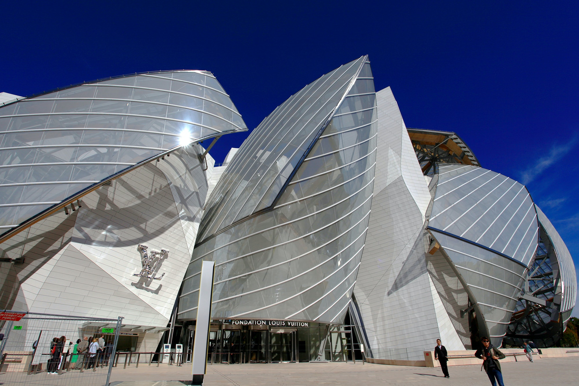 The Frank Gehry–designed Fondation Louis Vuitton is hosting two major exhibits featuring Jean-Michel Basquiat and Egon Schiele this fall.