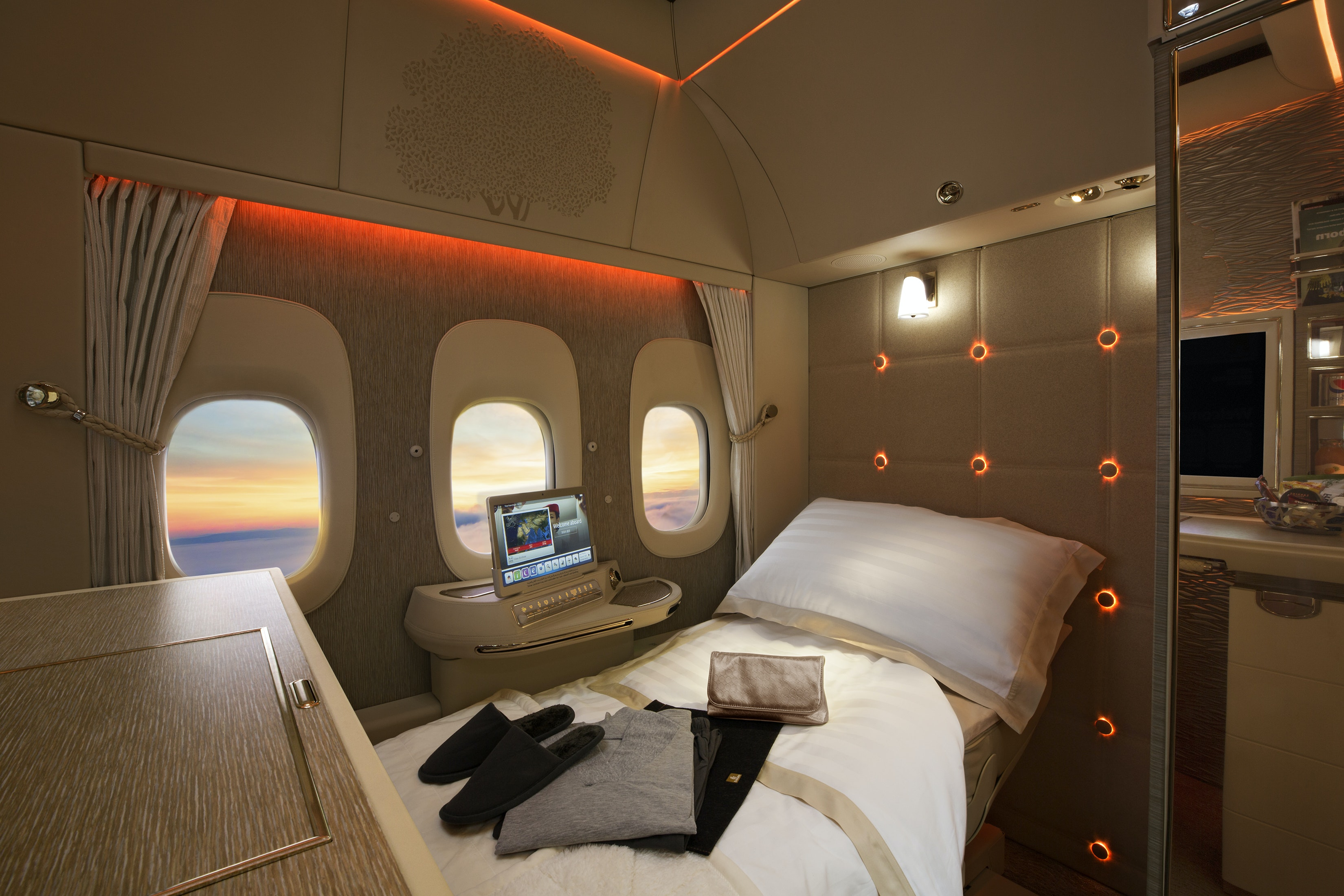 The lie-flat beds in Emirates first class