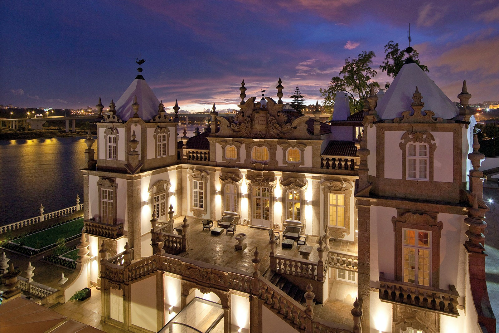 With its rococo architecture and breathtaking views, it's no wonder Pestana Palácio do Freixo was originally a palace.