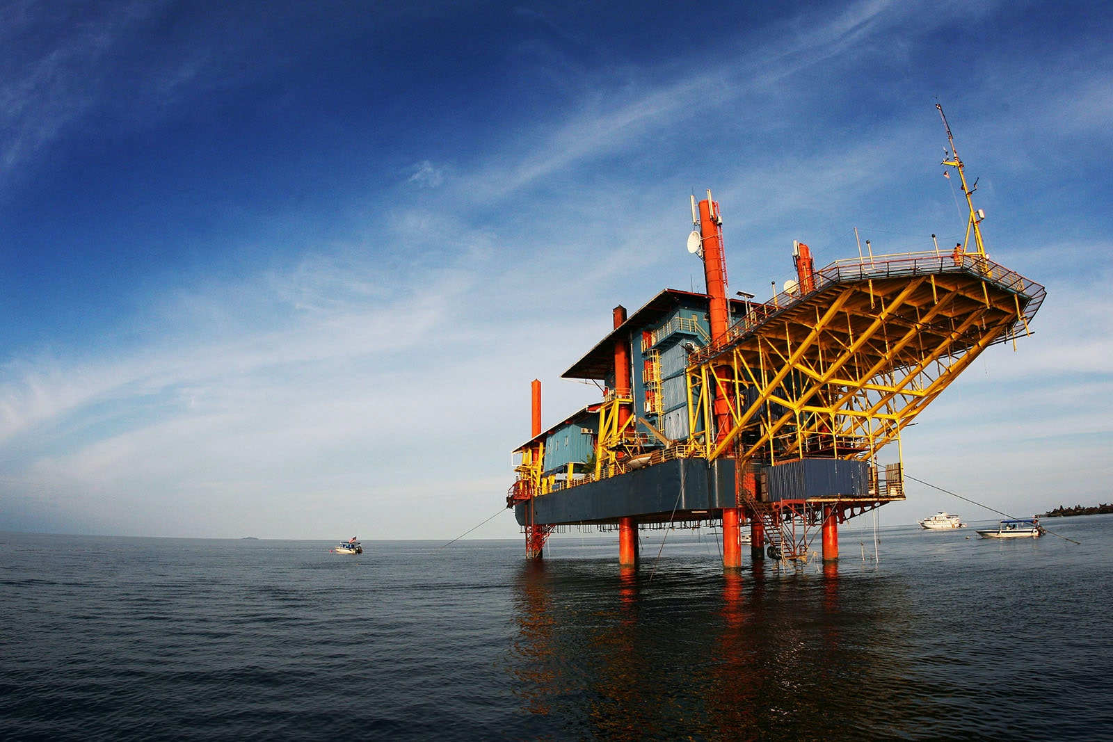 The Seaventures Dive Rig is a retired oil rig that was transformed into a dive resort.
