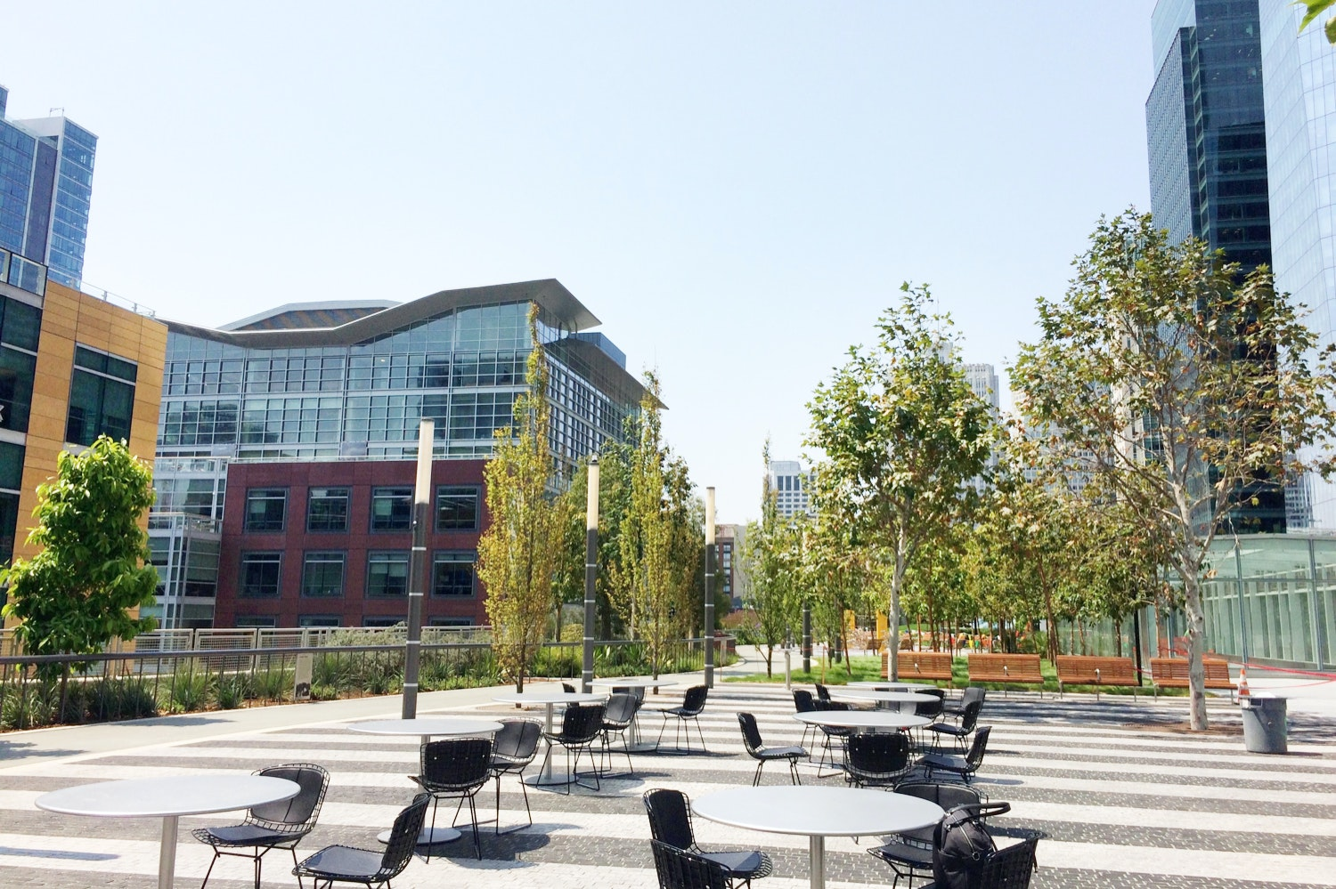 The Main Plaza in Salesforce Park provides plenty of open space to share coffee with a friend, snack on a treat from a food truck, or even meditate in the morning.