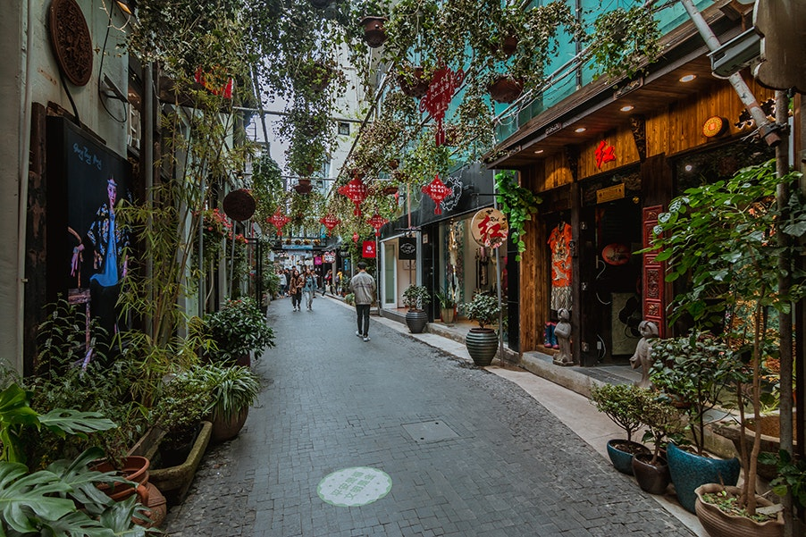 Shanghai has a number of museums, luxury boutiques, and other attractions.