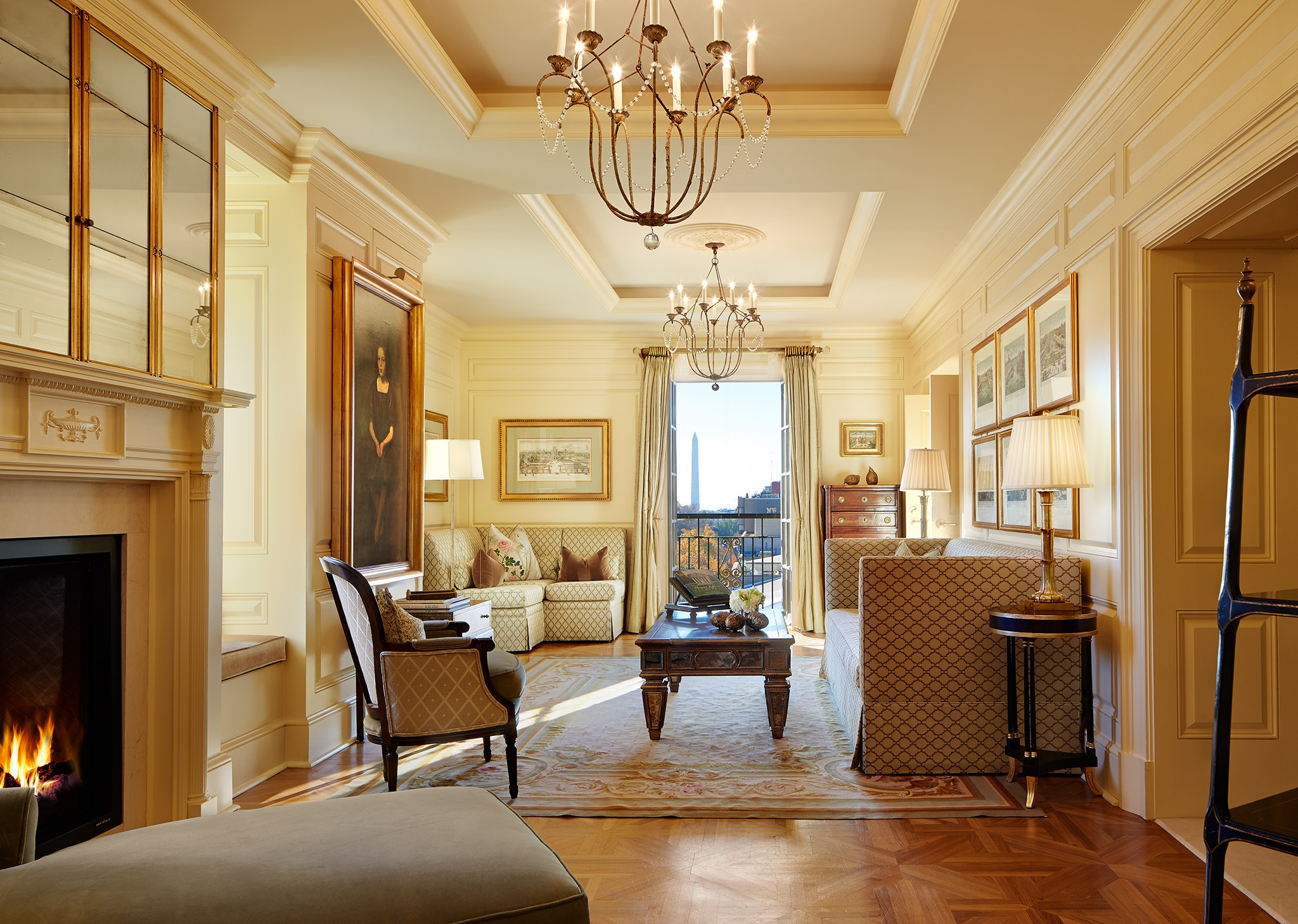 The Jefferson's posh Thomas Jefferson Suite overlooks the National Mall.