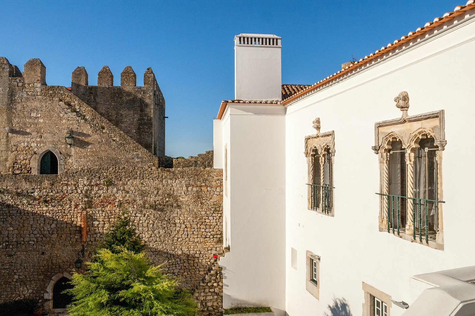 The entire town of Óbidos, including its castle, was a gift from King Dinis to his queen in 1282.