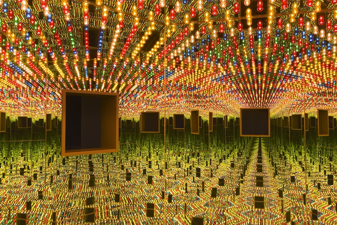 """Infinity Mirrored Room—Love Forever"" (1966/1994) at the Hirshhorn Museum and Sculpture Garden"