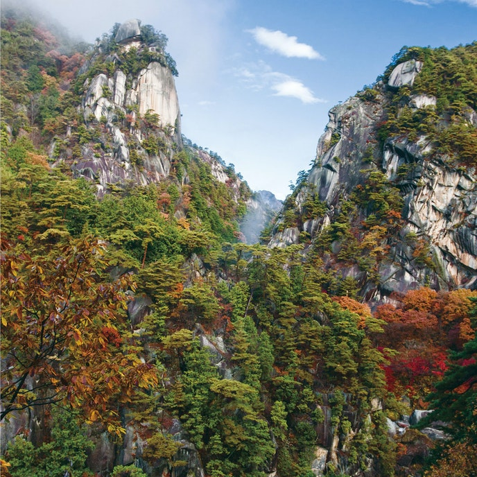Discover the unusual rock formations in Japan's Kanto Mountain Range.