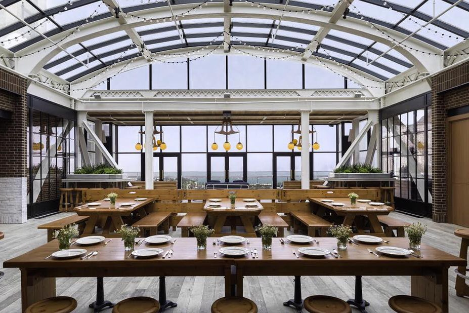 Cindy's sits inside a glass atrium with views of Millennium Park and Lake Michigan.