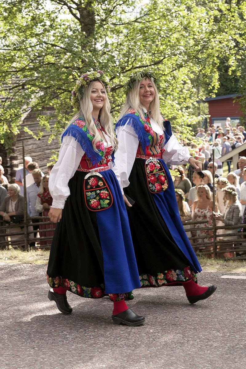 The patterns of traditional Swedish dress indicate the wearer's region, similar to the concept of a Scottish kilt.