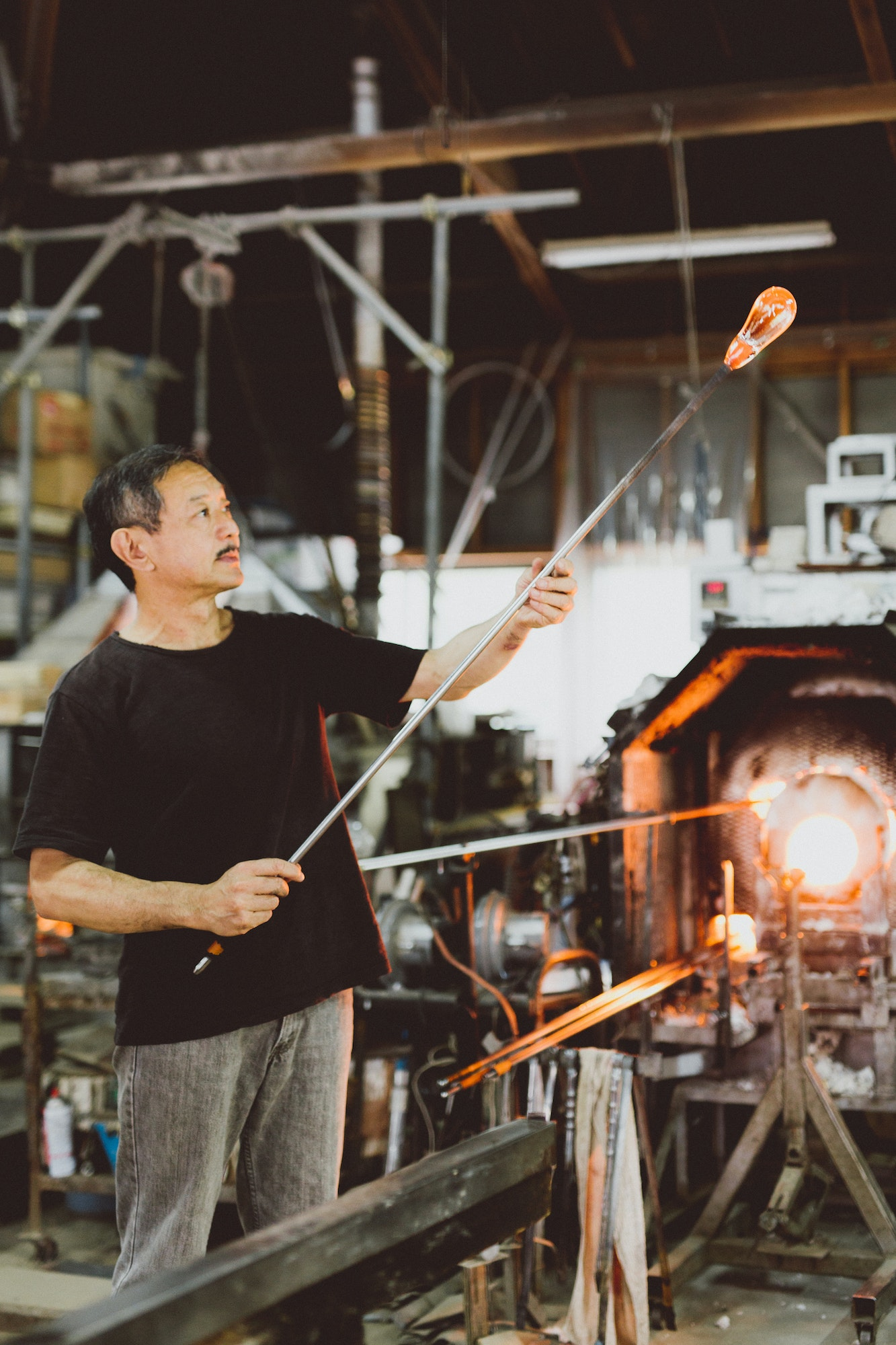 About an hour's drive from central Kyoto, Naoya Arakawa practices the traditional craft of handblown glass-making.