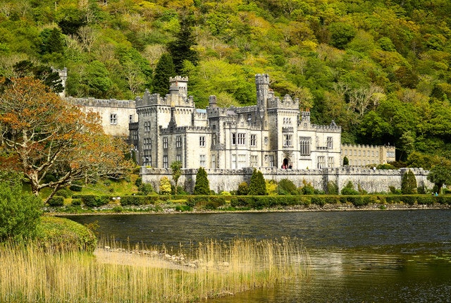Propose like royalty at the Kylemore Abbey Castle