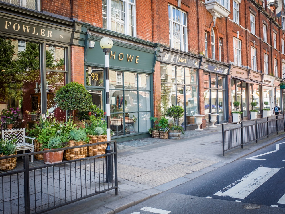 Pimlico Road has many high-end shops and galleries.