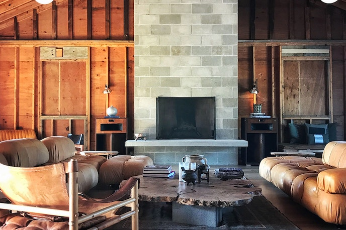 In 2018, John Stirratt, bassist for the alternative rock group Wilco, opened a 48-room lodge named Tourists in the Berkshires.