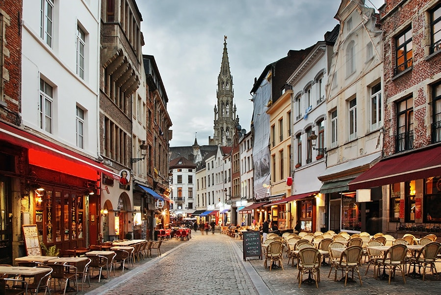 Beer and chocolate both have extensive histories in Brussels, first introduced during the 12th and 17th centuries, respectively. Their popularity has stood the test of time, garnering each of them festivals throughout the year.