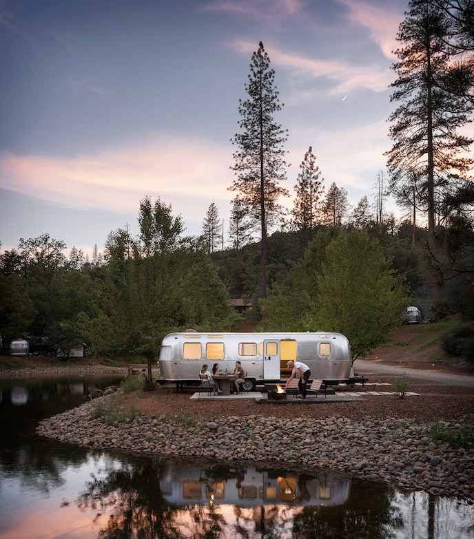 Just outside its namesake park, AutoCamp Yosemite has easy access to the great outdoors.
