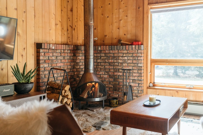 Spend your days skiing and evenings around the fireplace at this Vermont cabin.