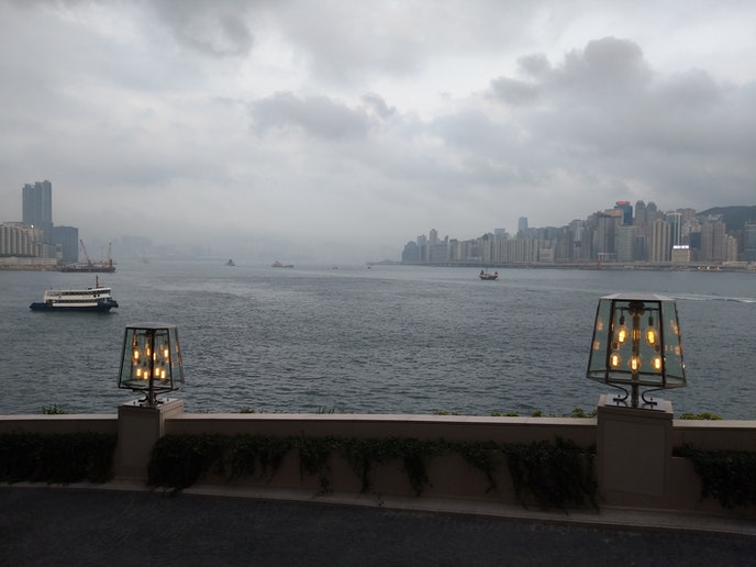 Lanterns along the transitional driveway from the waterfront fray up to the serene Rosewood Hong Kong