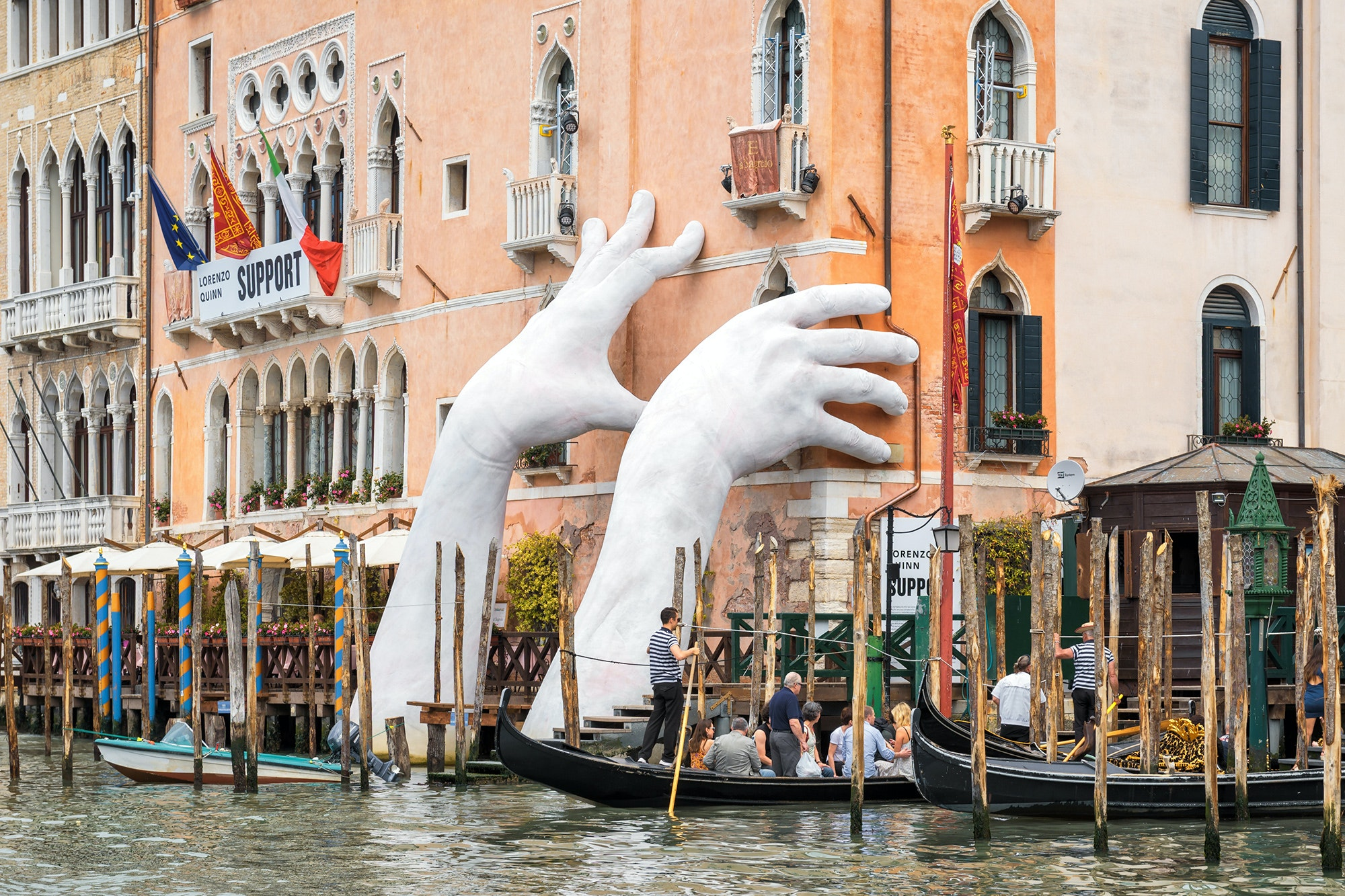 "Quinn's sculpture ""Support"" remained up six months after the close of the 2017 Venice Biennale."