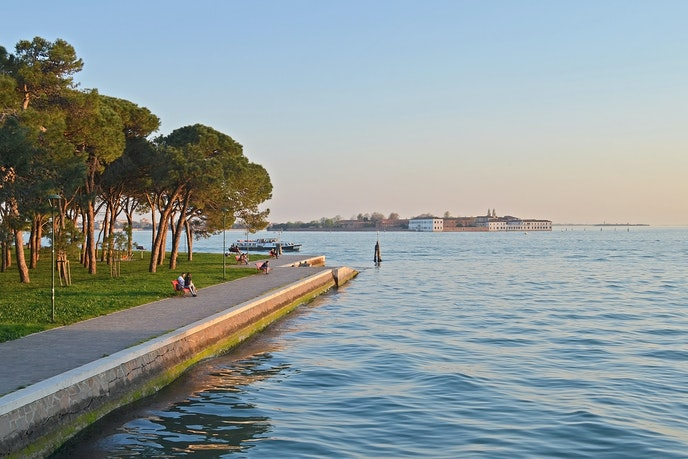 One AFAR editor tested grounding in Venice's Parco delle Rimembranze to see if it cured her jet lag.