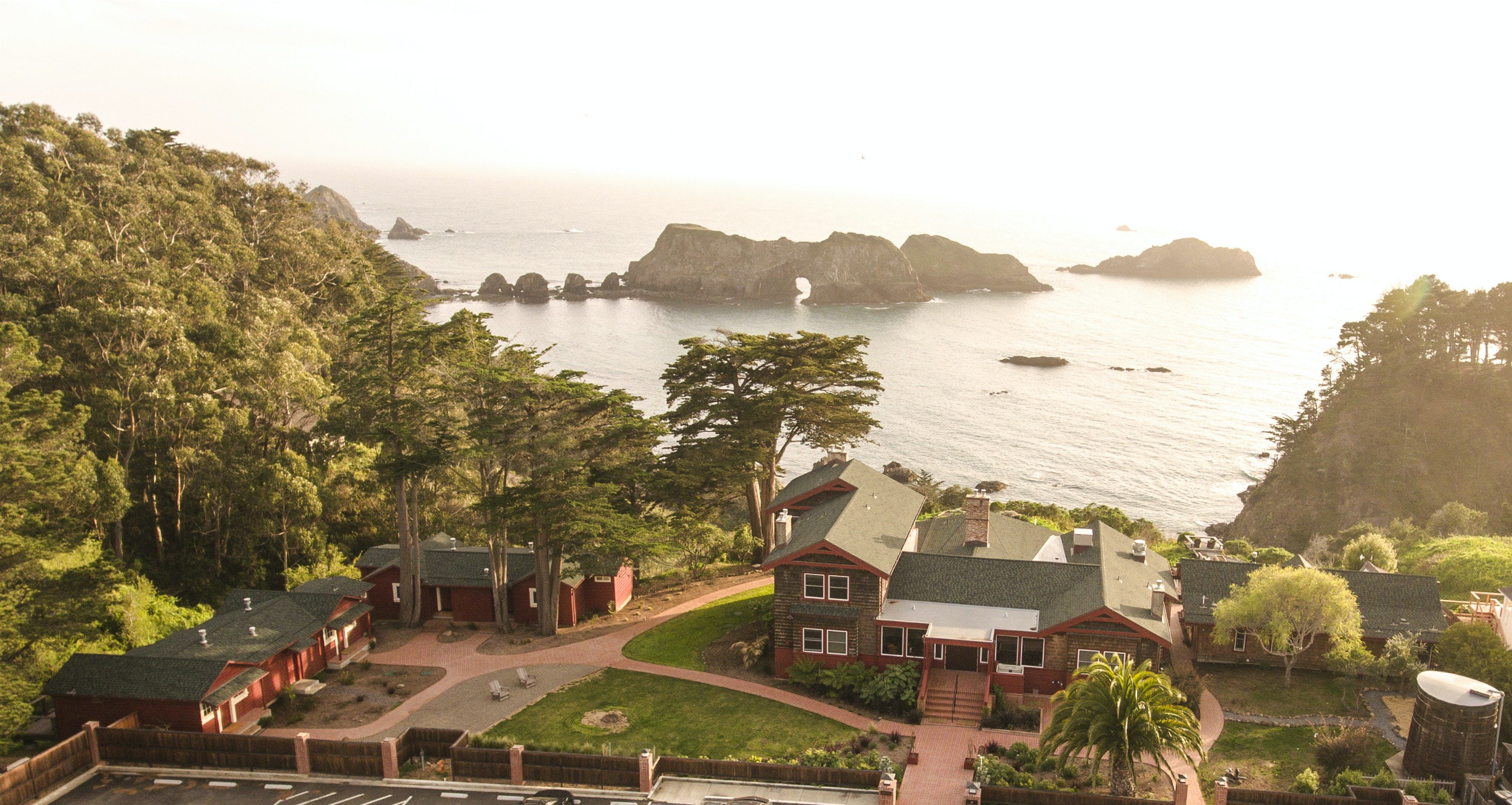 Elk's atmospheric Harbor House Inn sits on a cove overlooking Wharf Rock and Casket Rock.