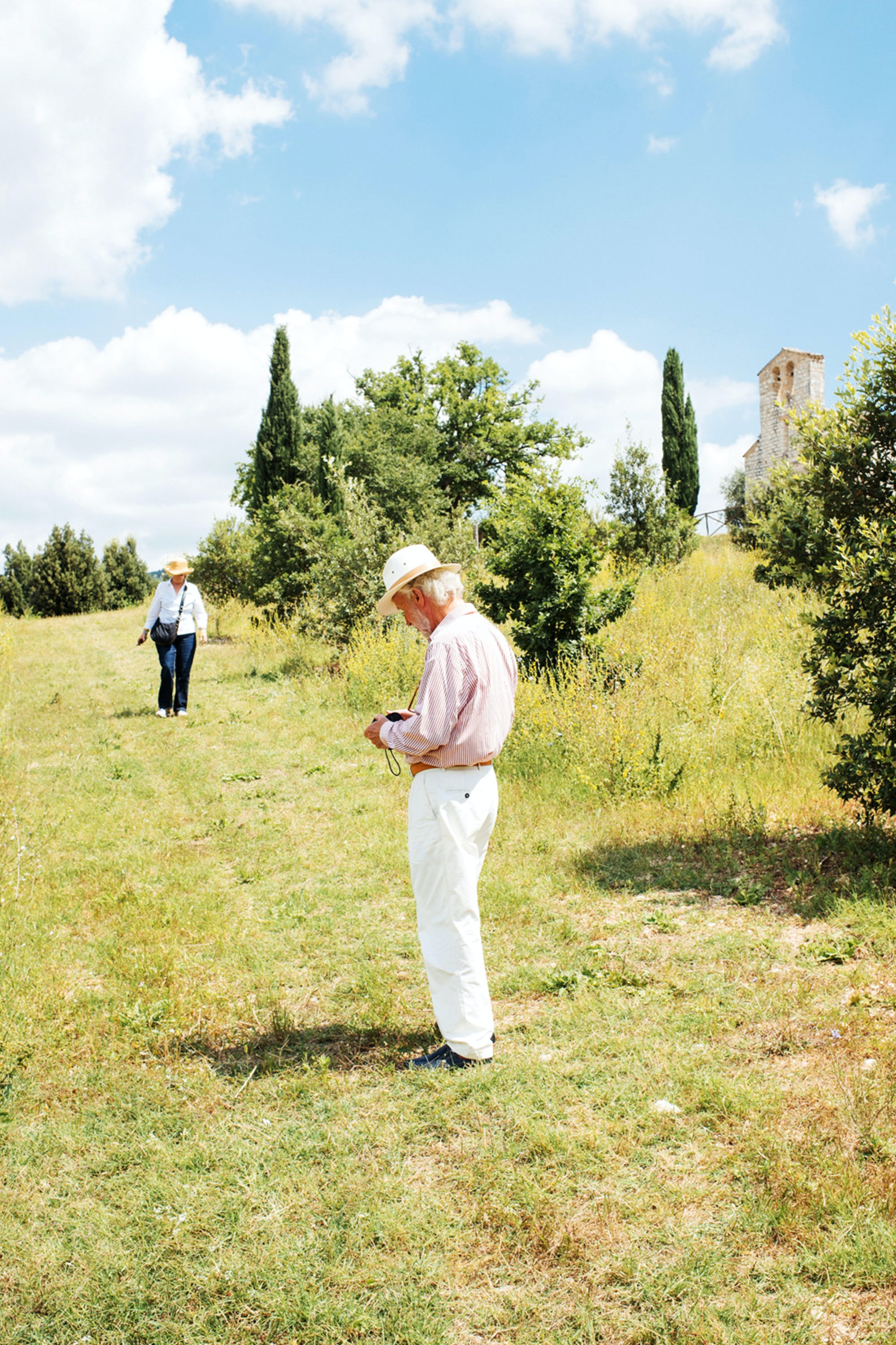 Visitors tour Tenuta San Pietro a Pettine.