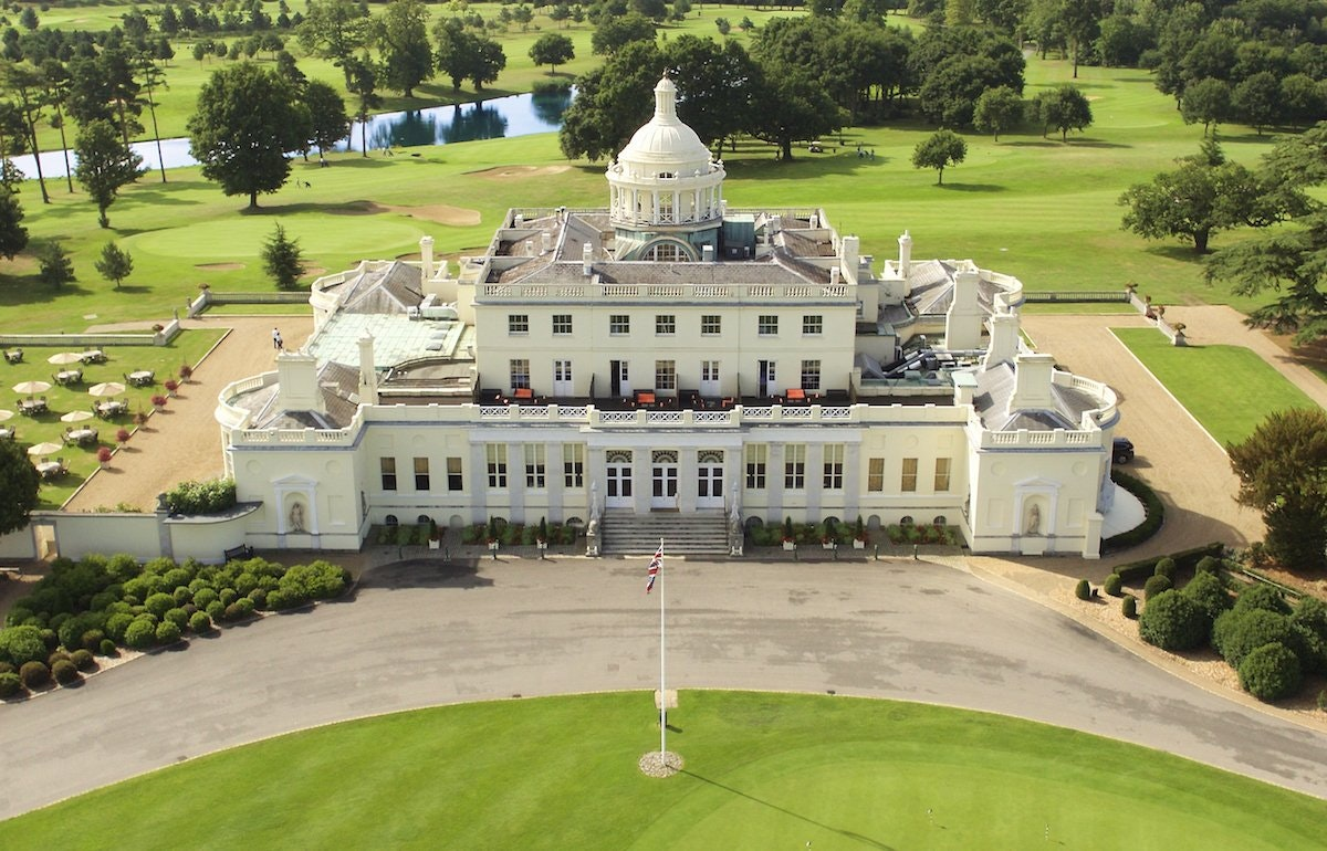 Stoke Park's wedding package includes transfer to Windsor after your traditional English breakfast.