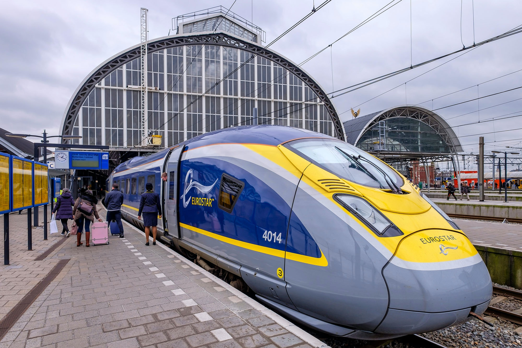 Save money on the newly opened London to Amsterdam route on the Eurostar train.