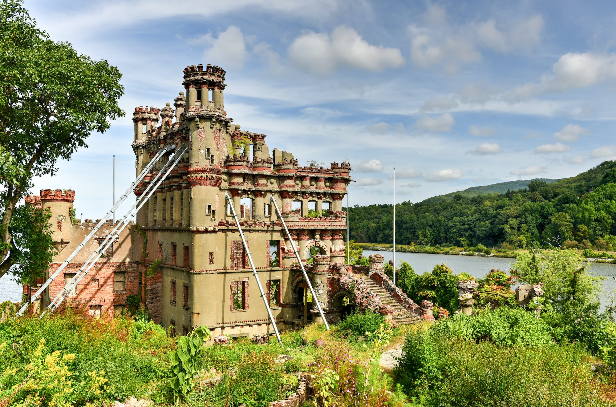 Scottish collector Francis Bannerman built this New York castle not as a home, but as an arsenal for his immense weapons collection.