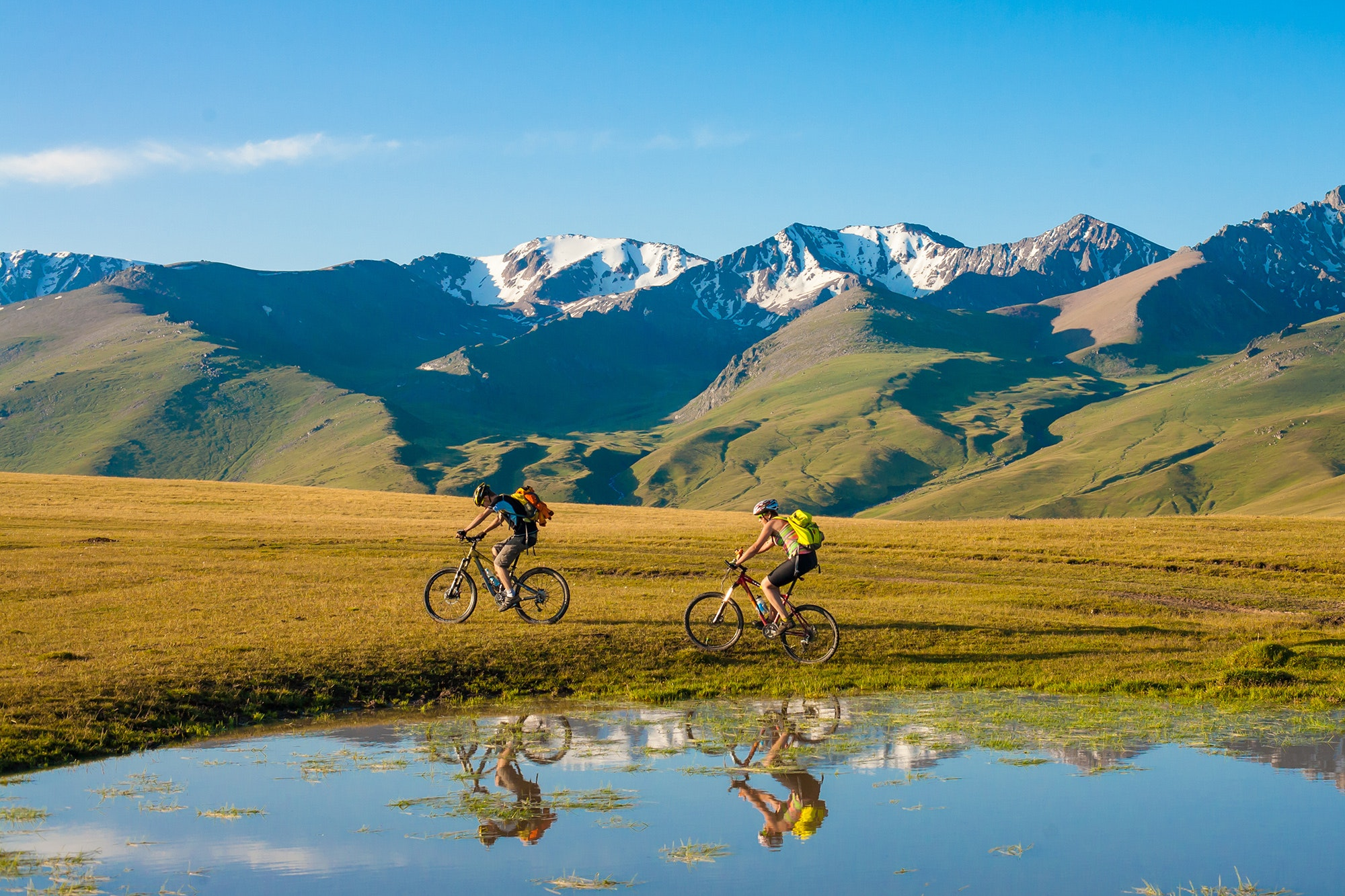 Everyone from enthusiasts to casual bikers can enjoy a cycling trip.