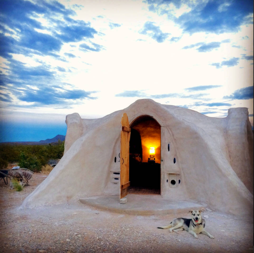 Off-Grid Adobo Dome in Terlingua, TX