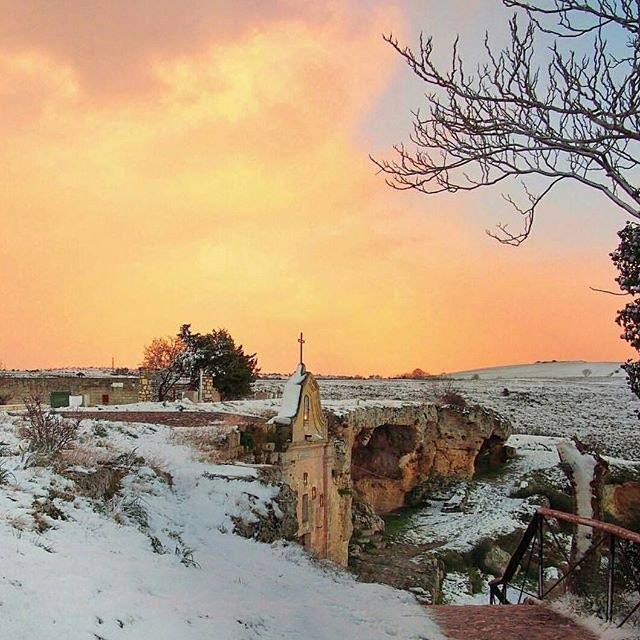 That sunset! That light dusting of snow! As if we needed more proof that Italy is stunningly beautiful.