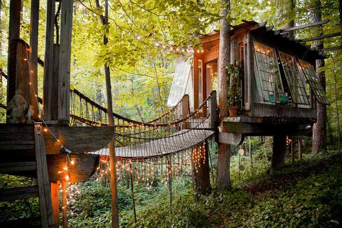 This Atlanta tree house is like something out of a fairy tale.
