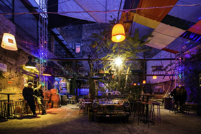 Szimpla Kert was the first ruin bar in Budapest and started the trend of opening bars and pubs in abandoned buildings.