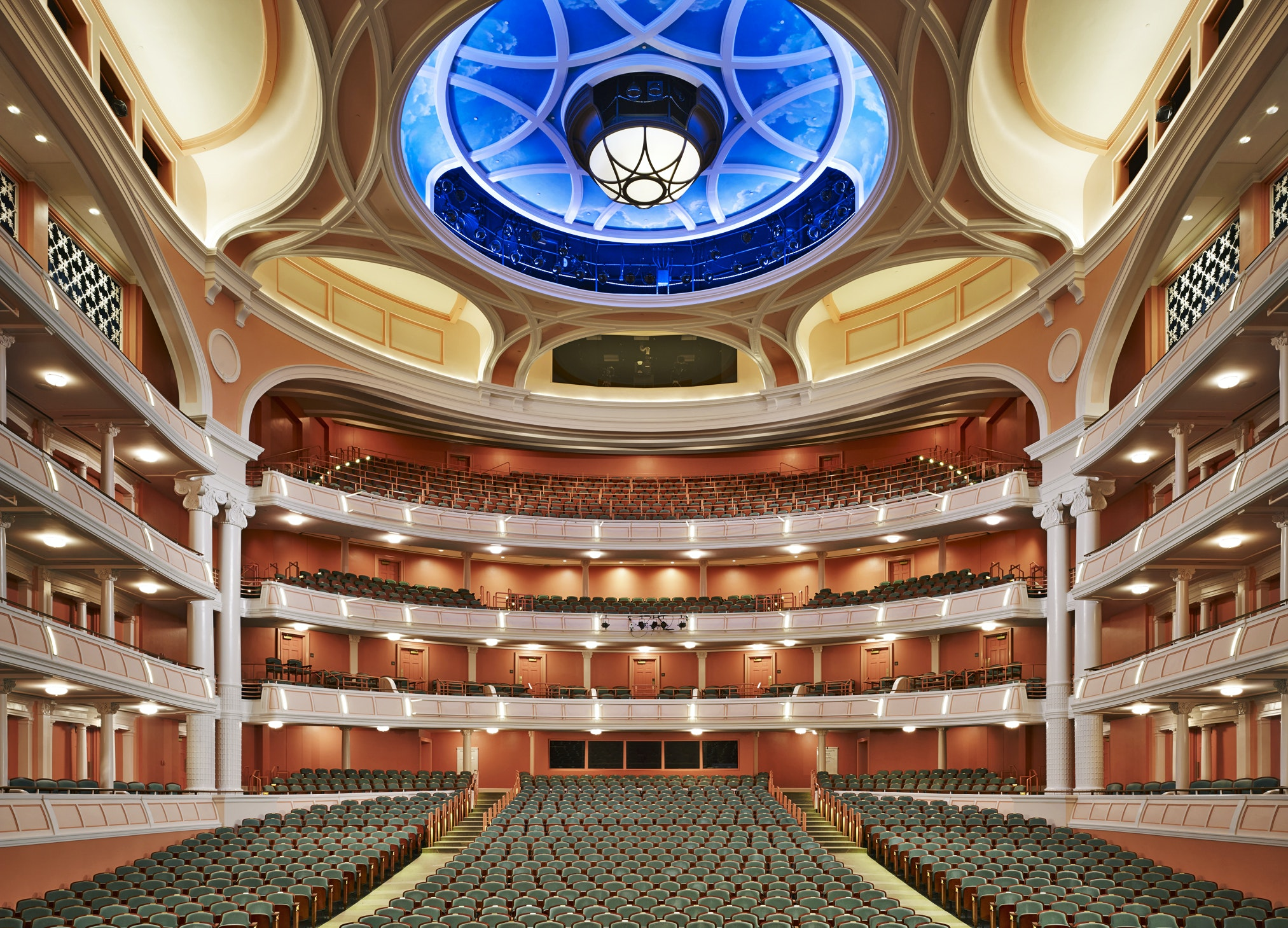 The Charleston Gaillard Center hosts the Charleston Symphony Orchestra, festivals, and other performing arts functions.
