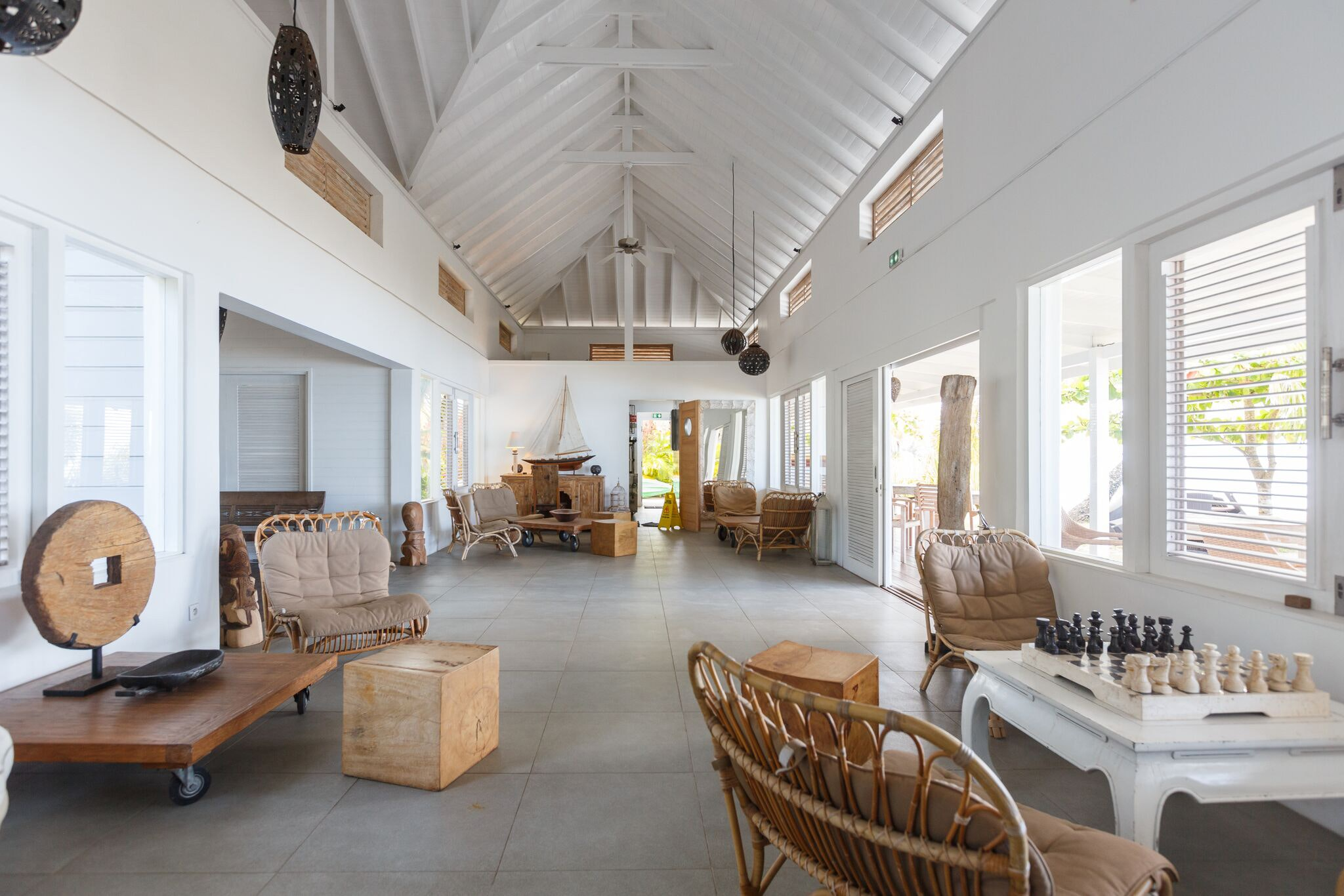 The Moorea Beach Lodge features chic, whitewashed bungalows.