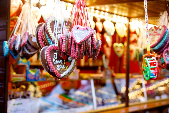 Even the traditional gingerbread snacks are romantic at Germany Christmas markets.