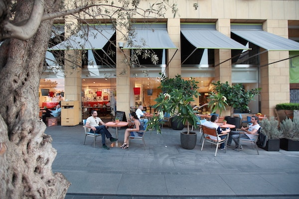 Le Gray Hotel's outdoor cafe, Gordon's