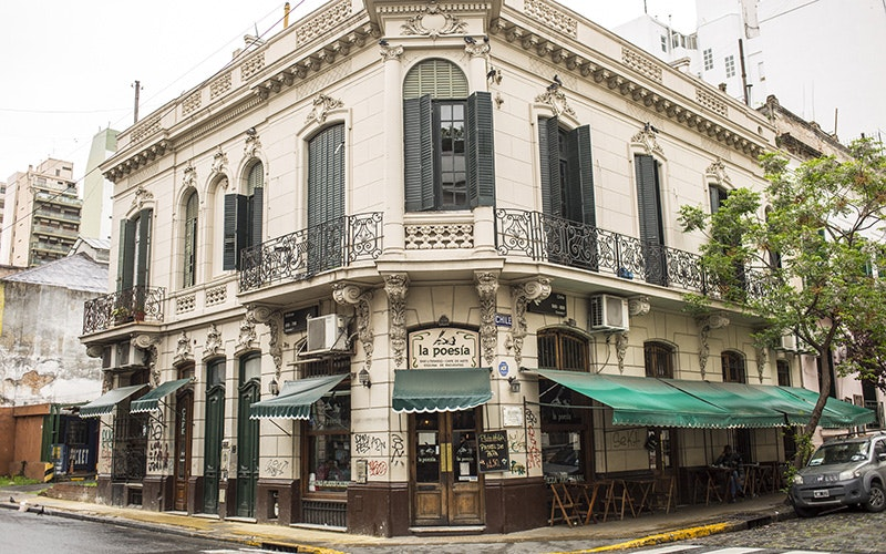 When it was opened in 1982, Café la Poesía became a gathering place for Buenos Aires's literati.