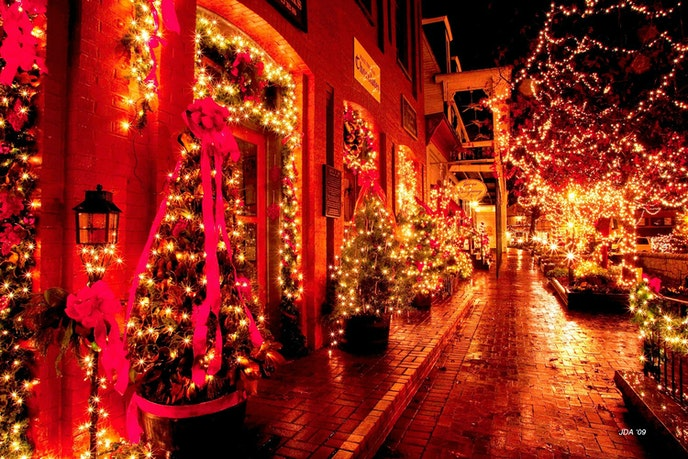 The small town of Dahlonega, Georgia, is wild about all things Saint Nick during its seven-week-long Old Fashioned Christmas celebration.