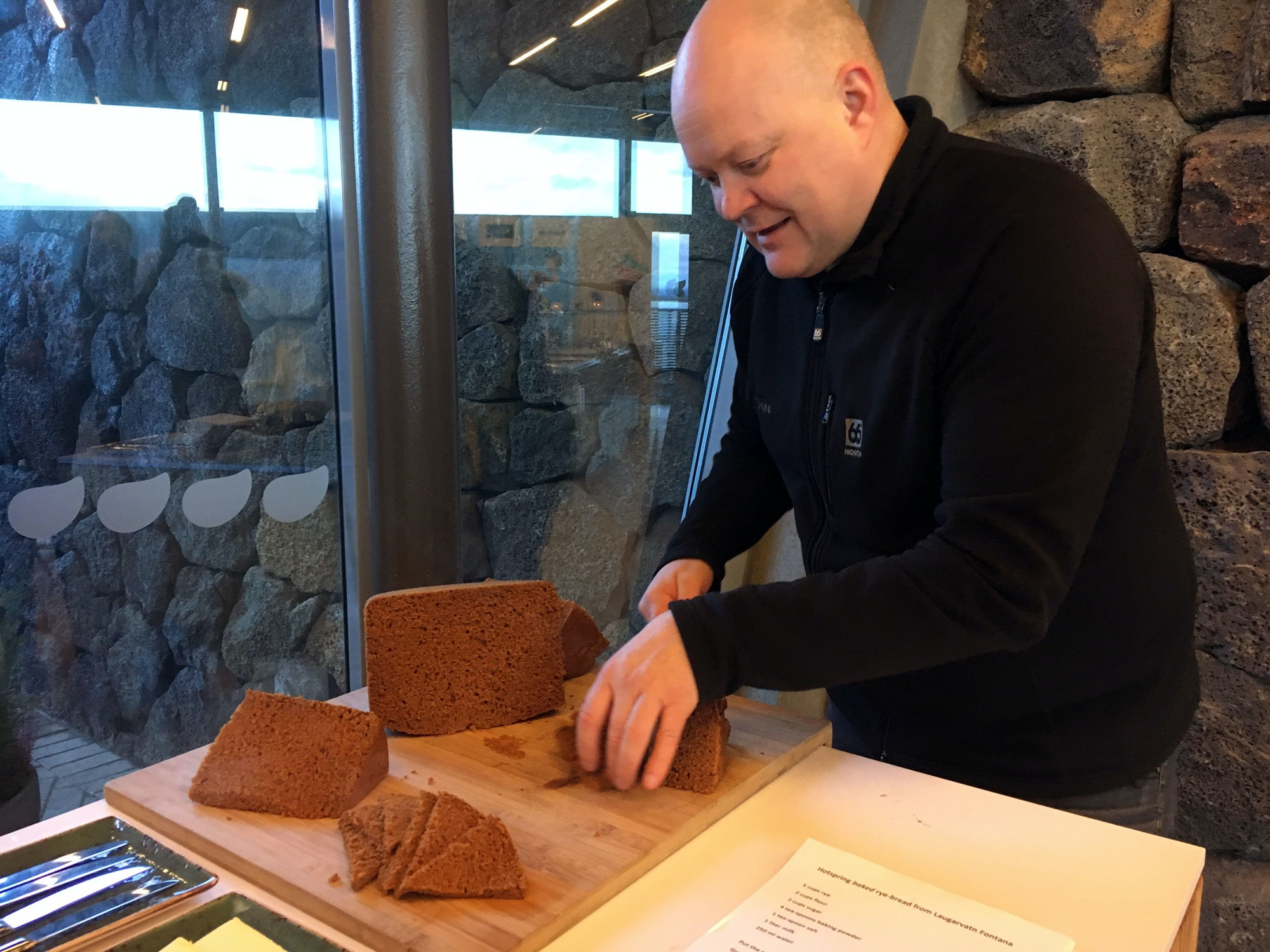 Siggi cutting the volcano bread