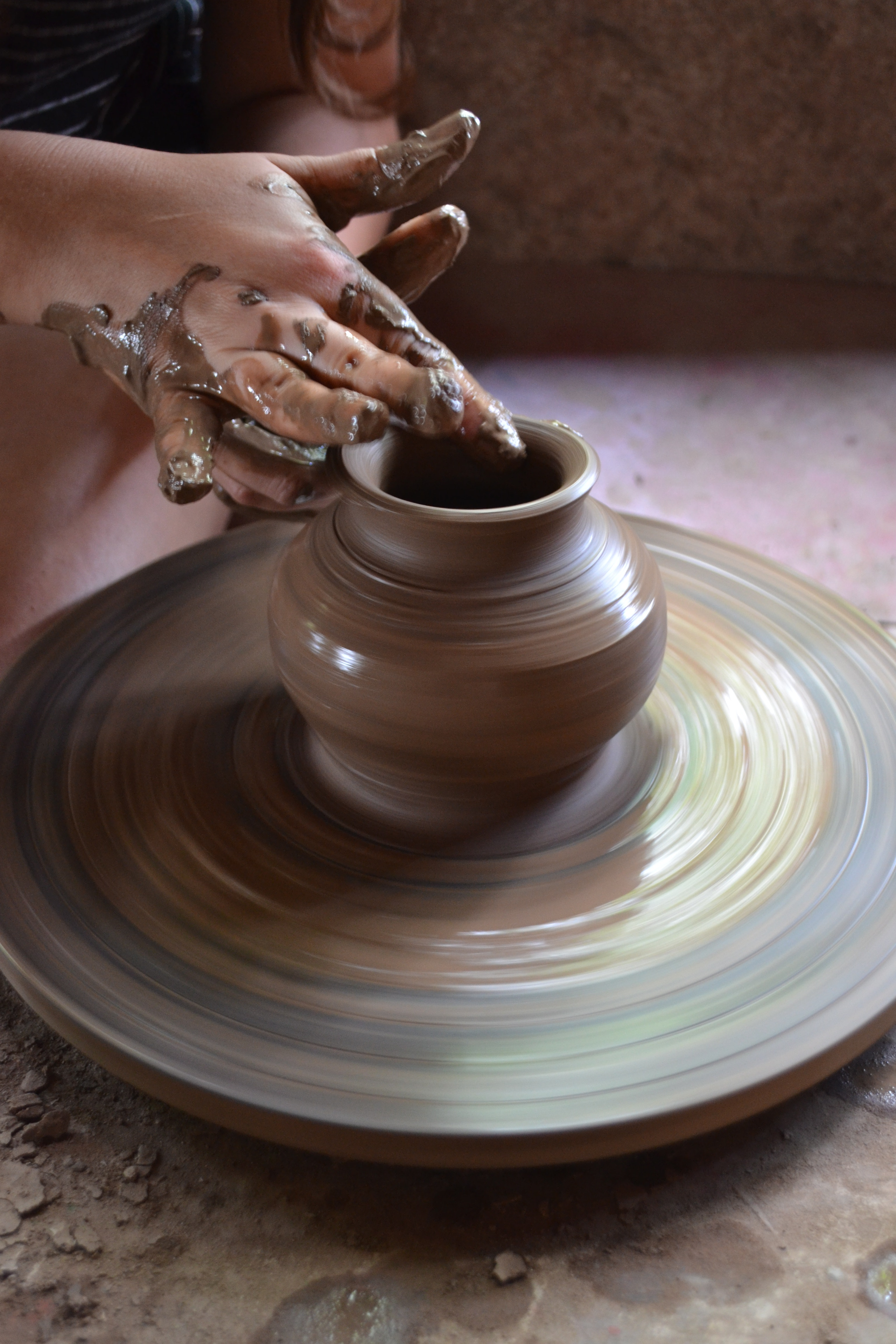 Learn to throw like a pro at ceramics workshops in Los Pueblos Blancos.