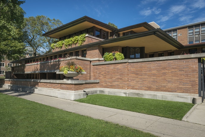The Robie House is a prime example of Wright's early prairie style.