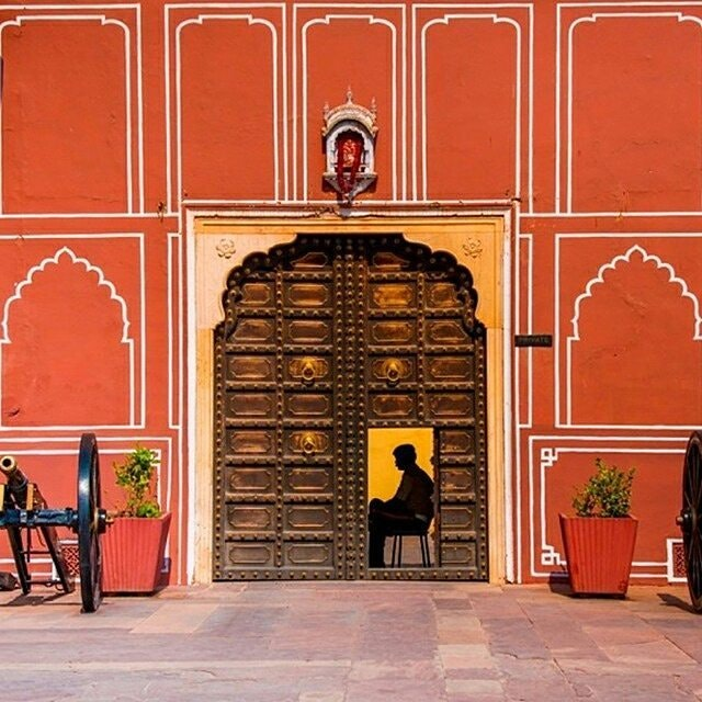 Jaipur's Pink City, the Wes Anderson way.