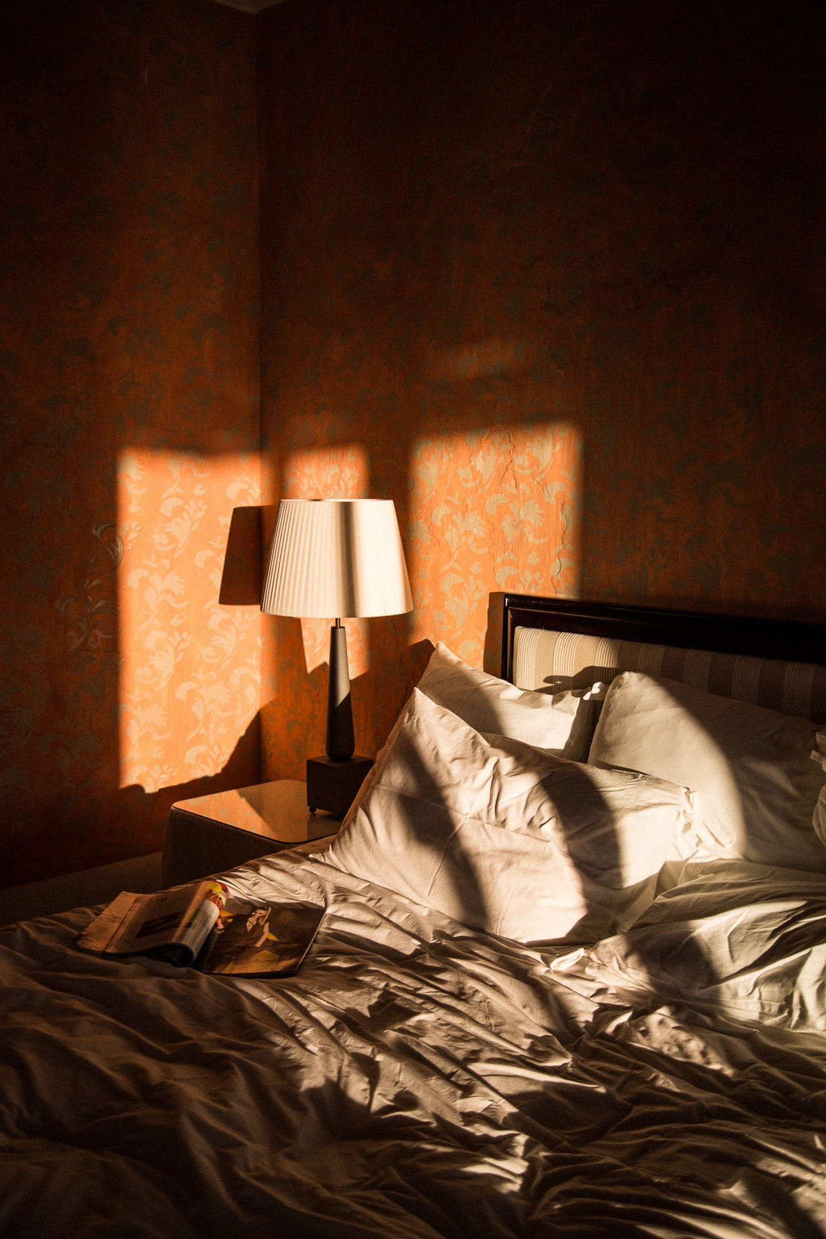 Rudya captured the October sun in a beautiful bedroom in Praiano, on the Amalfi Coast.