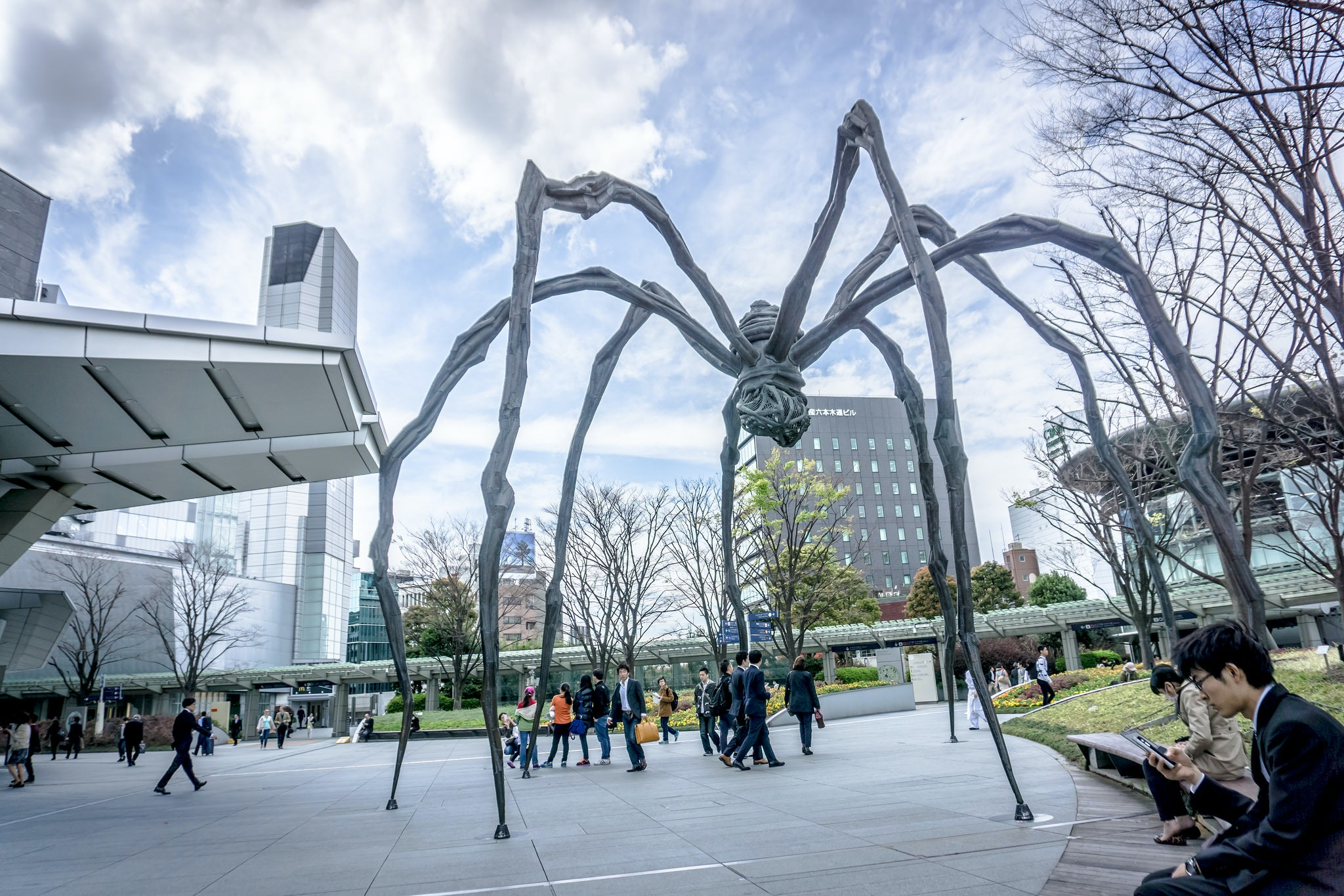 """The """"Maman"""" spider by Louise Bourgeois looms large over Roppongi Hills, a complex of offices, shops, and cafés that also includes Mori Art Museum"""