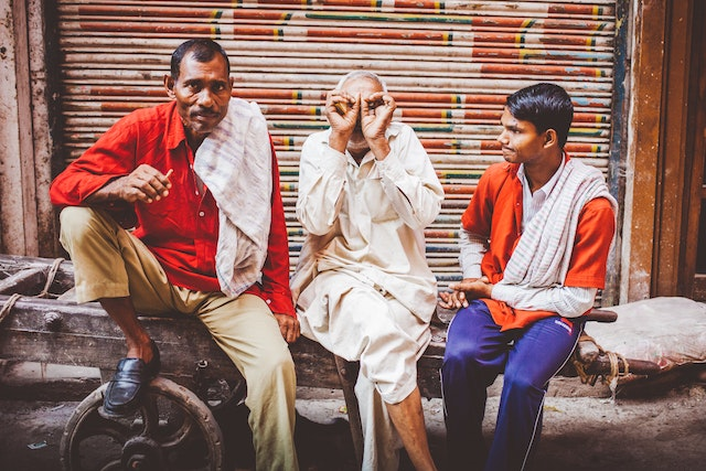 Jamadi first asked these New Delhi men permission before photographing them, allowing their vibrant personalities to shine forth.