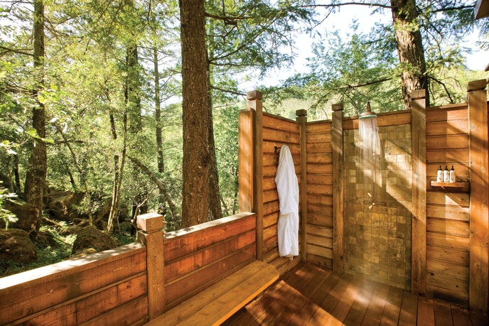 If everyone had an outdoor shower like the ones at Calistoga Ranch, the world would be a better place.