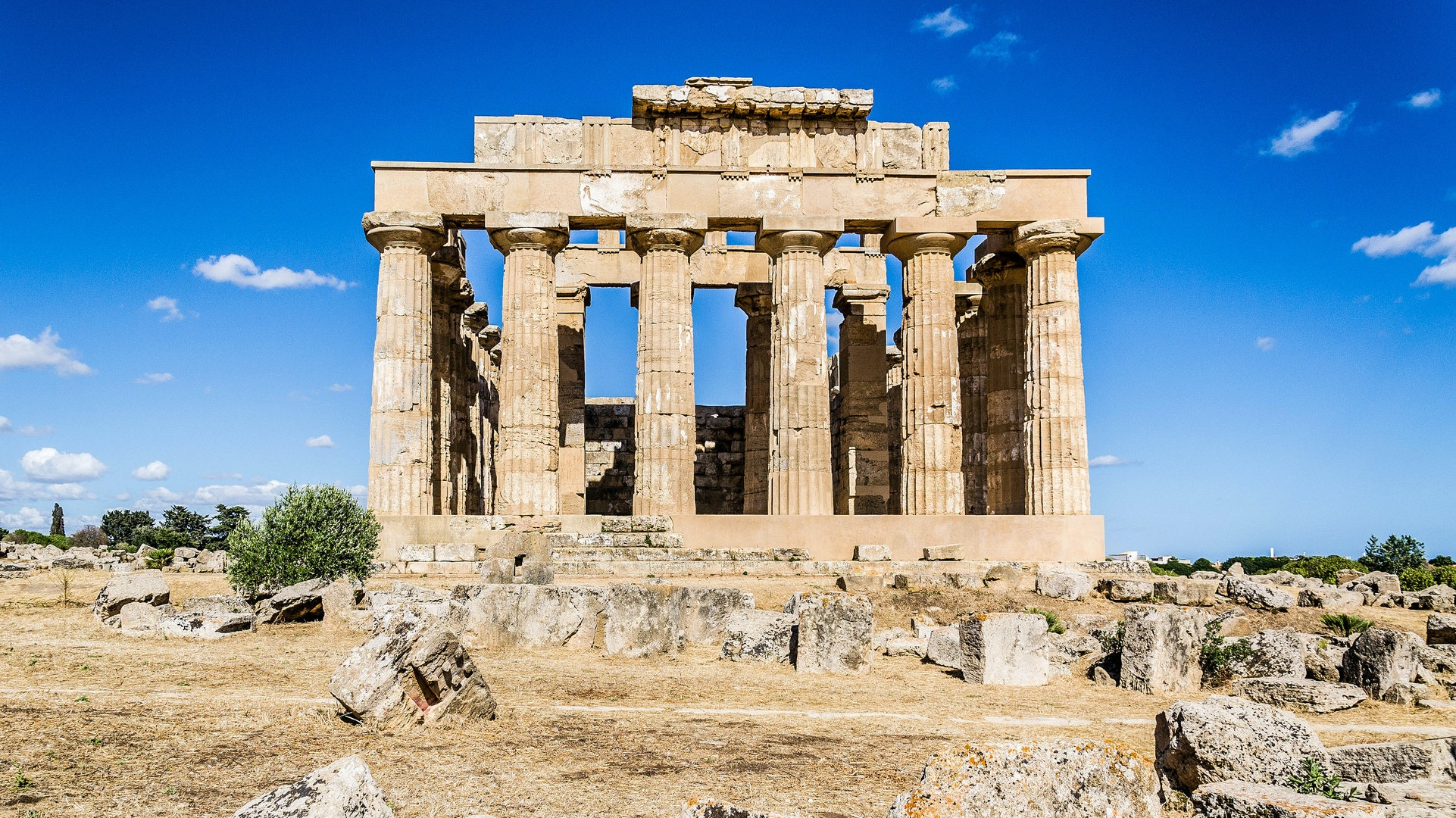 Day 5 of the Chef Bike tour will bring riders to the Temple of Hera in the ancient town Selinunte.
