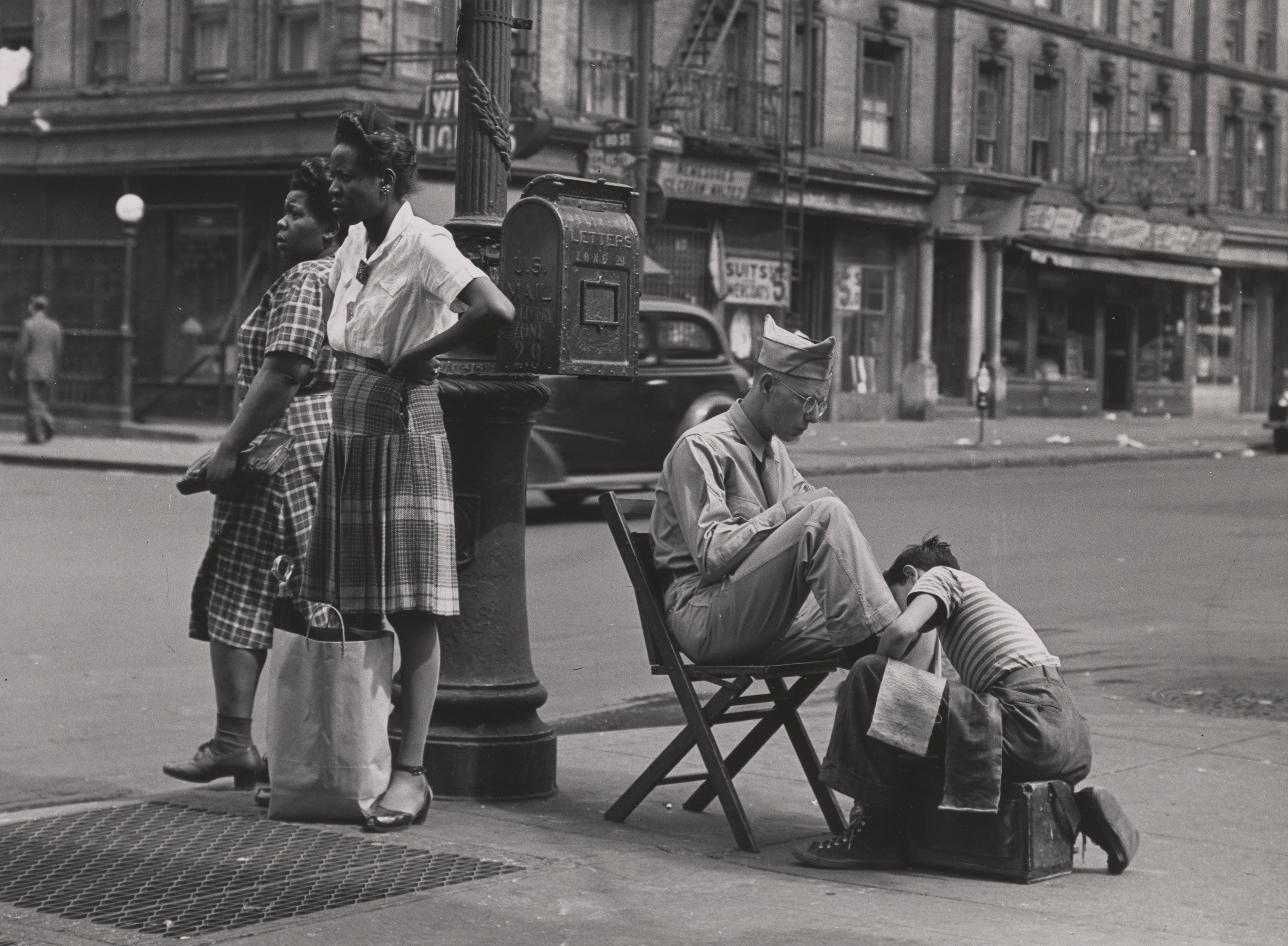 [Lexington Avenue, Near 110th Street, Harlem], 1946
