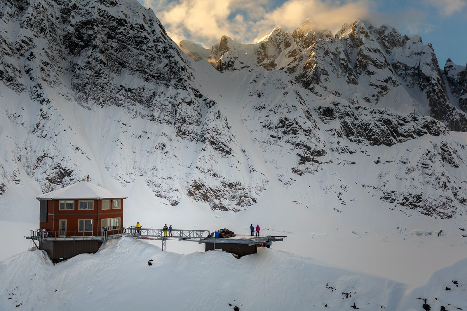 The only way to reach the Sheldon Chalet is by helicopter, and the landing pad doubles as a lounge deck.
