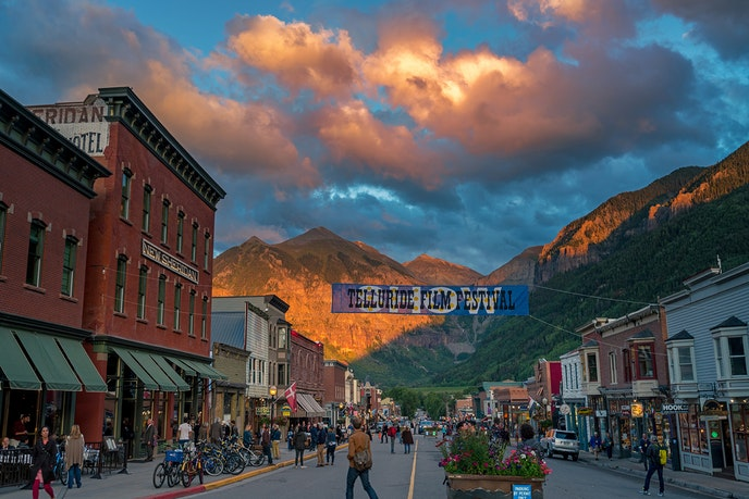 Telluride is home to several arts festivals, including a bluegrass festival, horror film festival, and the Telluride Film Festival.
